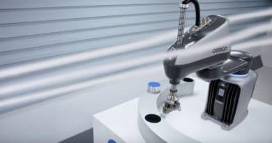 Omron presenta i4, lo SCARA che guarda al futuro e strizza l'occhio al design