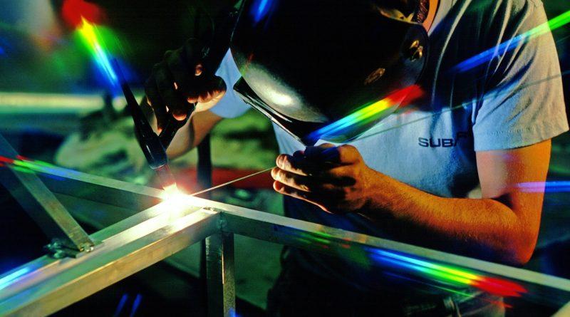 Istat, la produzione industriale a maggio è tornata a crescere