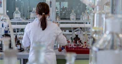 Festo lancia Ehmd, il modulo gripper compatto pensato per i laboratori